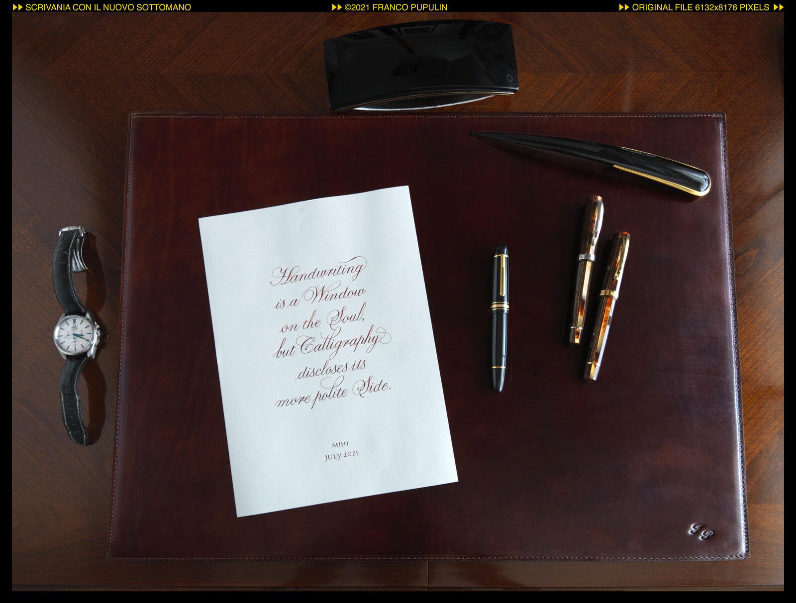 Scrivania con il nuovo sottomano (4) ©FP.jpg