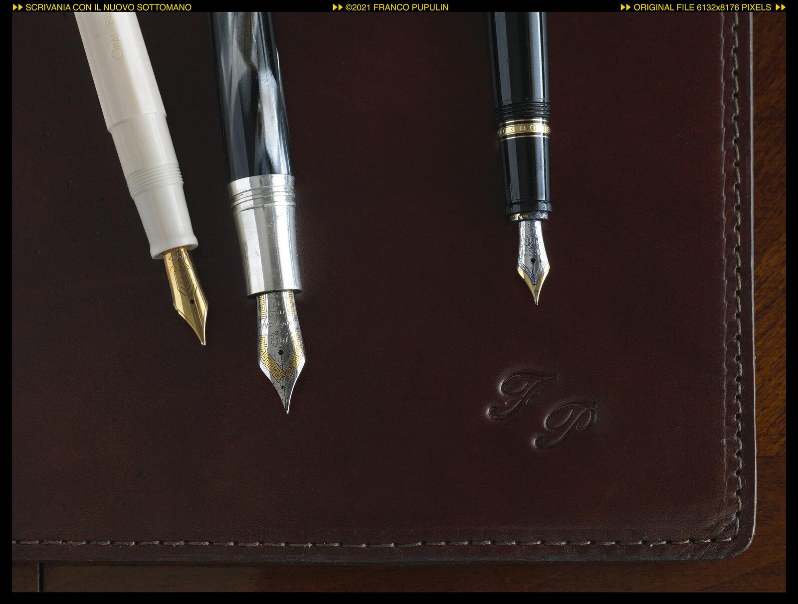 Scrivania con il nuovo sottomano (6) ©FP.jpg