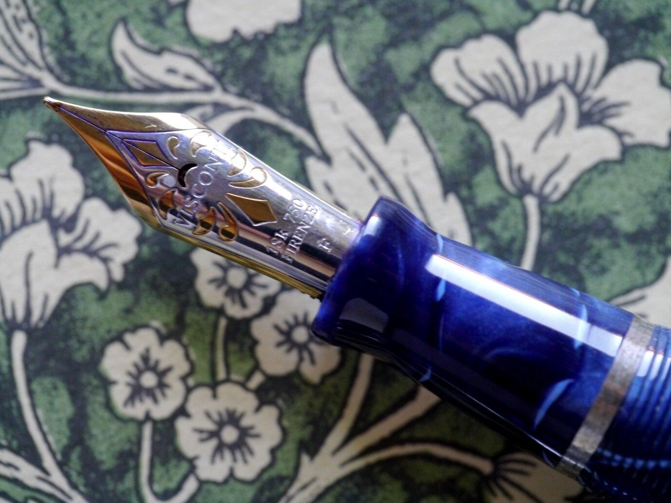 P1190414-3 Visconti Voyager Kaleido Blue 18k.jpg
