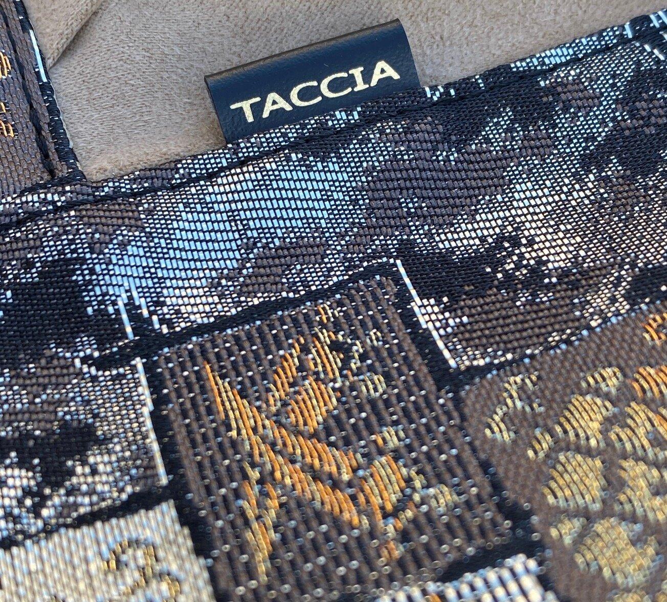 TACCIA - pen-roll - material detail.jpeg