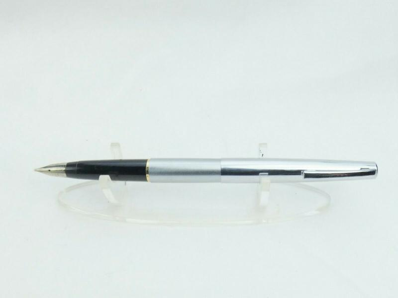 Sheaffer-Fountain-Pen-Good-working-order-Nice-nib-Wrong-cap-Ref-17P__3.jpg