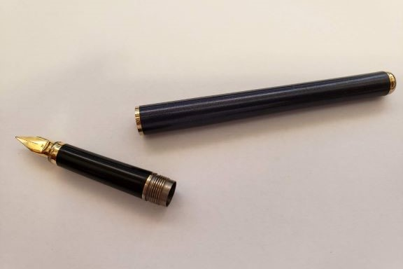Elysee Pen 1.jpg