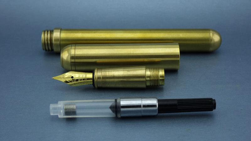 blackstone-clipless-brass-fountain-pen-06.jpg