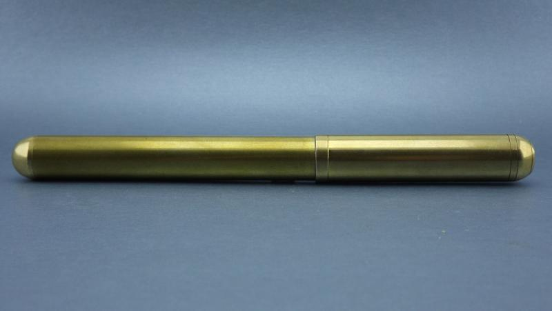 blackstone-clipless-brass-fountain-pen-01.jpg