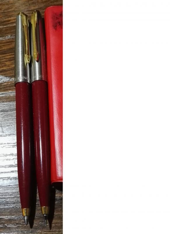 45 ceruza és golyóstoll.jpg