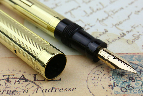 vintage-european-mabie-todd-swan-gold-near-mint-flexible-superflex-nib-fountain-pen-for-sale-14.jpg