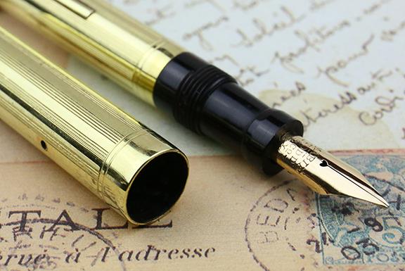 vintage-european-mabie-todd-swan-gold-near-mint-flexible-superflex-nib-fountain-pen-for-sale-14.jpg