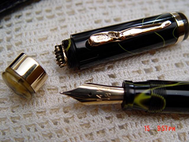 Pens872.JPG
