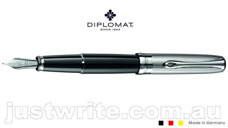 diplomat-fountain-pen-excel-a-guil-bk-chr-cap.jpg