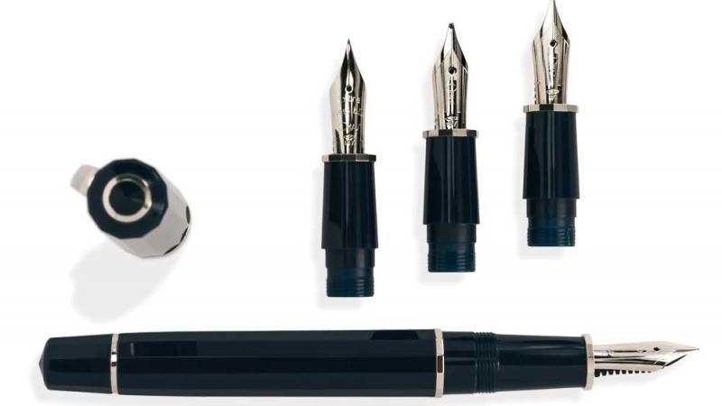 omas-le-calligraphy-set-01.jpg
