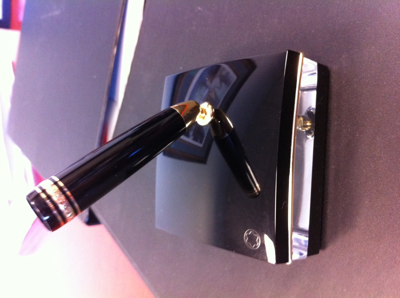 Replacing The Holder On A Montblanc Pen Stand Montblanc